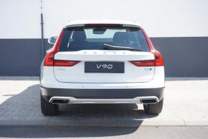 VOLVO V90 Cross Country Plus