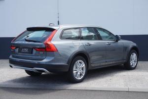 Volvo V90 Cross Country Plus Šedá